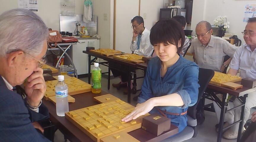 女流棋士熊倉紫野シニア一般スクール